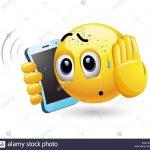 smiley-a-parlare-su-un-telefono-illustrazione-vettoriale-di-una-faccina-avente-telefonata-sgradevole-pmk14c